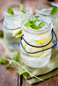 cucumber-water-mason-jar